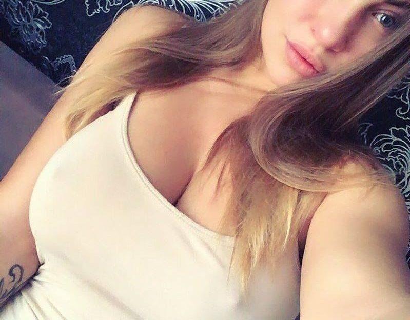 Für einen große Brüste Porno ist sie genau richtig