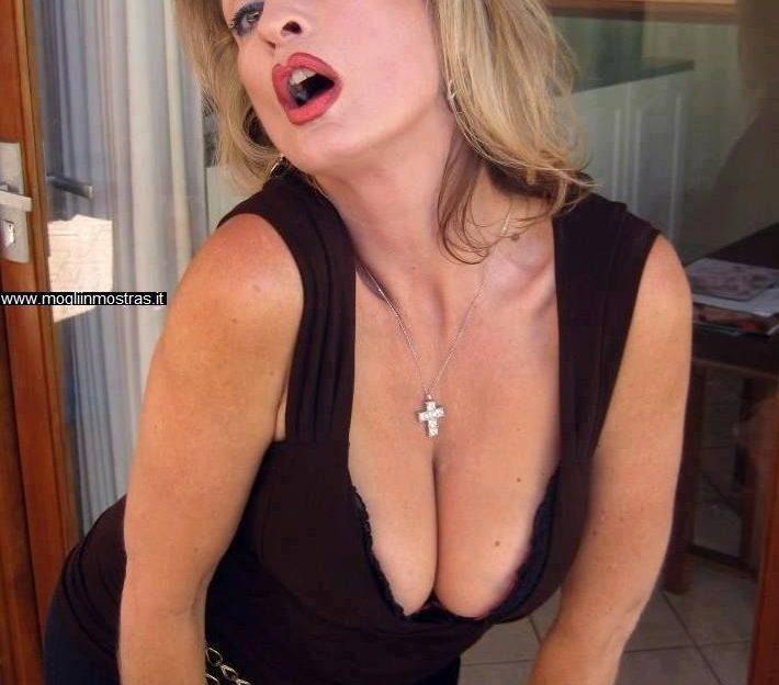 Reife Frauen mit großen Brüsten wollen gefickt werden